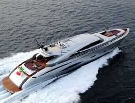 Motor Yacht 'MY TOY' Offers September Discount in Greece