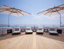 Save 10% on a Christmas Charter aboard Feadship Superyacht 'Hurricane Run'