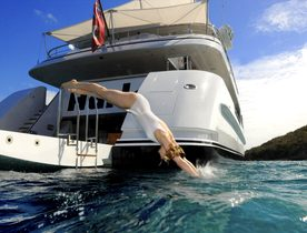 Charter Harle Motor Yacht for Thanksgiving at special offer rate
