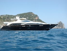 Luxury Motor Yacht VIVERE Available in the Bahamas