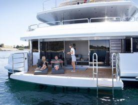 VIDEO: Charter Yacht BLUSH Filmed Docking In Ibiza