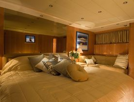 M/Y INDULGENCE OF POOLE Offers All-Inclusive Rates in the South of France
