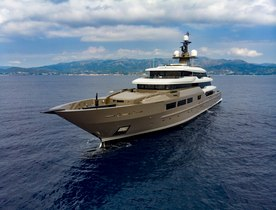 Brand new superyacht SOLO opens for Caribbean yacht charters