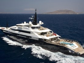 Superyacht 'Alfa Nero' Gets a Winter Make Over
