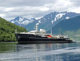Superyacht LEGEND: Special all-inclusive charter rate for Norway adventures