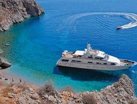 Superyacht LIONSHARE announces unbeatable discount on Mediterranean yacht charters