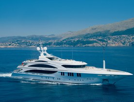 Andreas L Available for Charter