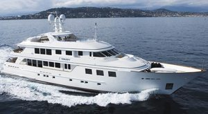 Charter yacht MIM toured in Florida