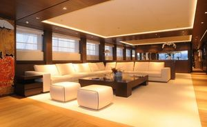 Motor Yacht AQUA Offers Charter Discount in Greece