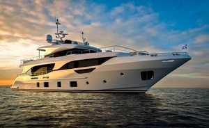 29m yacht URIAMIR offers discount for late season South of France charters