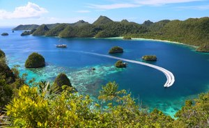 South East Asia yacht charter: 65m luxury Phinisi LAMIMA reveals primetime special offer