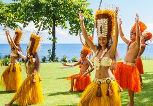 How to choose a South Pacific island for your yacht charter