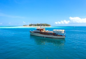 The Ultimate Combination: A private island retreat & luxury yacht adventure