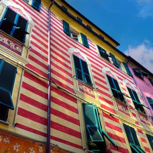 Admire the Nautral Beauty of Cinque Terre