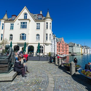 Alesund photo 12