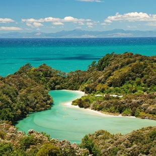 Discover New Zealand Your Own Way on a Charter Vacation