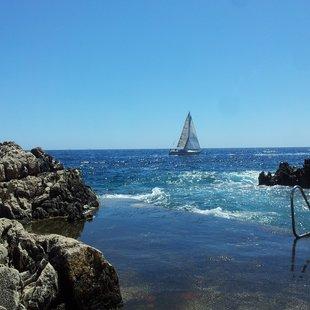 Take a break at Paloma beach