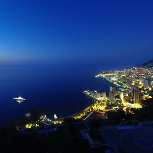 Enjoy a Glamorous Evening in Monaco