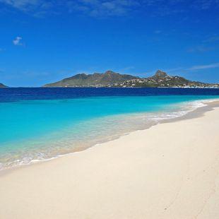 Idyllic Dickenson Bay, Antigua