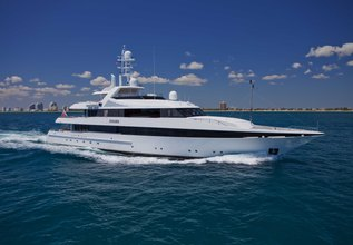 Kisses Charter Yacht at Yachts Miami Beach 2017