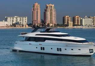 Lampin' Charter Yacht at Fort Lauderdale Boat Show 2019 (FLIBS)