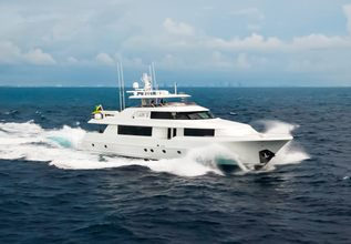 Lady JJ Charter Yacht at Palm Beach Boat Show 2019