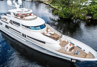 Release Me Charter Yacht at Palm Beach Boat Show 2019