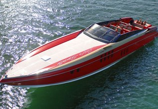 Lady Lisa Charter Yacht at Miami Yacht Show 2020