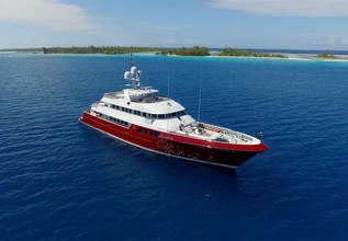 Qing Charter Yacht at Fort Lauderdale International Boat Show (FLIBS) 2021