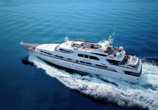 Il Sole Charter Yacht at Fort Lauderdale Boat Show 2014