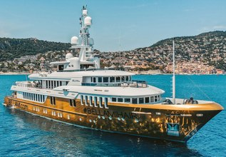 Bella 2 Charter Yacht at Palm Beach Boat Show 2019