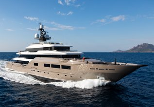 Solo Charter Yacht at The Superyacht Show 2019