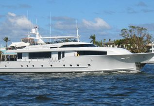 Vaiven Charter Yacht at Palm Beach Boat Show 2014