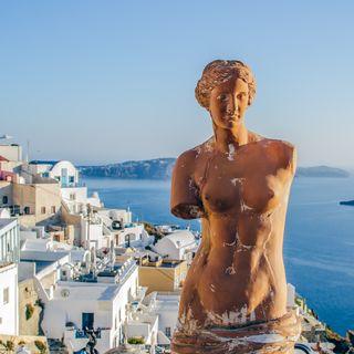 Statue of Venera Milosskaya - the goddess of love
