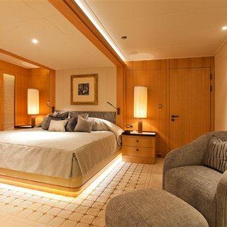 Double Suite Entrance - Neutral