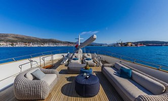 To Je To yacht charter Benetti Motor Yacht