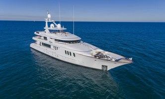 Amica Mea yacht charter Hakvoort Motor Yacht