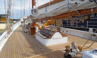 Columbia yacht charter Eastern Shipbuilding Sail Yacht