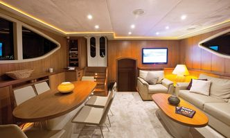 Miss B yacht charter Unknown Motor/Sailer Yacht