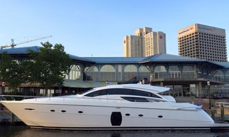 Vantage yacht charter Pershing Motor Yacht