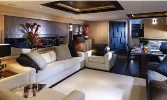 Veuve yacht charter Sunseeker Motor Yacht