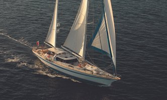 Free Wings yacht charter Thackwray Sail Yacht