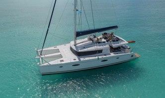 Nenne yacht charter Fountaine Pajot Motor/Sailer Yacht