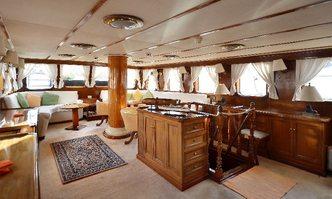 Southern Cross yacht charter Yarrow & Co Sail Yacht