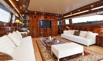 Adriatic Blues yacht charter Maiora Motor Yacht