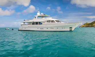 Pura Vida yacht charter Moonen Motor Yacht