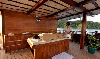Lamima yacht charter Pak Haji Baso Motor/Sailer Yacht