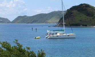 Delphine yacht charter Fountaine Pajot Motor/Sailer Yacht