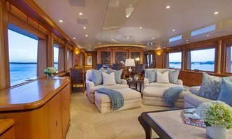 Savannah yacht charter Intermarine Motor Yacht