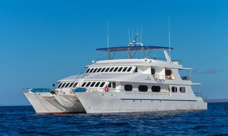 Tip Top II yacht charter Tecnavin Motor Yacht